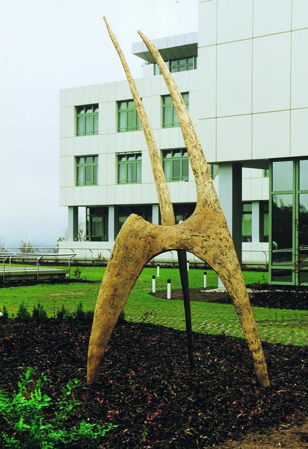 Bronze BG Unfallklinik Tübingen 300x600cm.